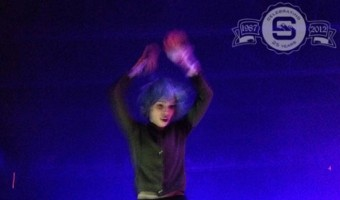 Alice-Glass-Crystal-Castles-In-The-Venue-1