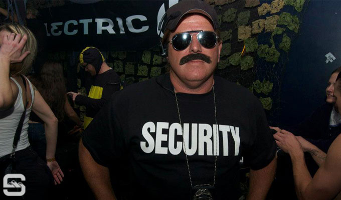 electric-helloween-the-metro-bar-dennis-nazari-security