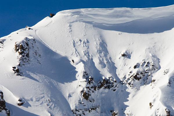 Tyler-Morton-Powder-Snowboarding